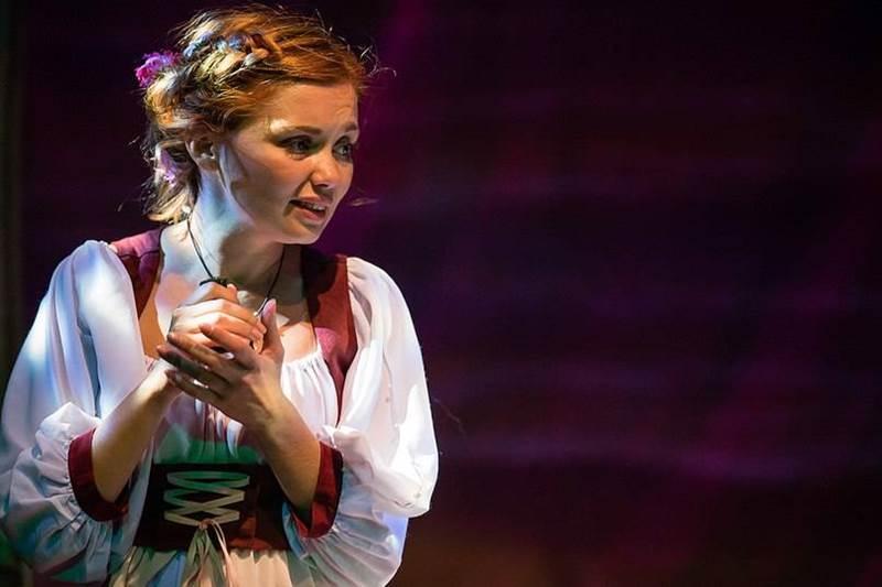 Ольга-Кузьмина-в-театре.jpg