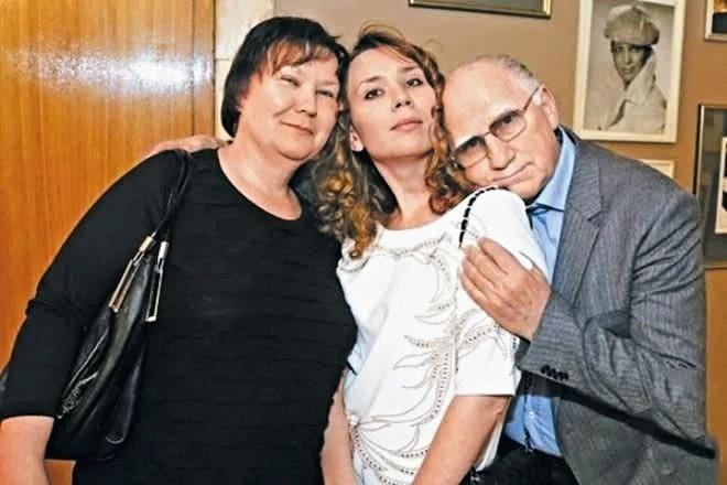 Супруги Бариновы с дочерью Александрой