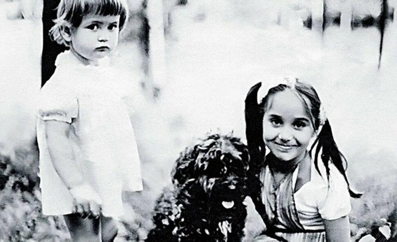 Аня и Лиза - дочери Беллы Ахмадулиной.