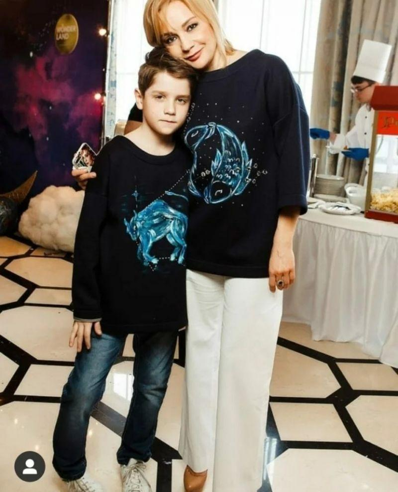 Татьяна Буланова с сыном Никитой.