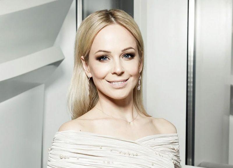 Блондинкой ей быть на мой взгляд лучше. Фото Яндекс.Картинки.