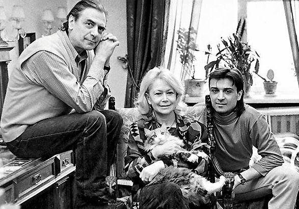 Александр Лазарев - младший с родителями