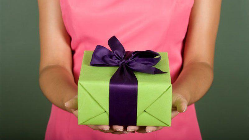 Что подарить дорогому человеку своими руками